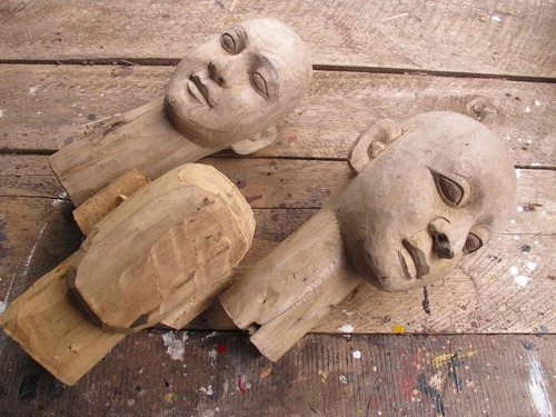Making the puppet heads and seeing how it is done on the artist tour